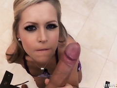 Sexy blonde is getting willing for the party but sucks his weenie first