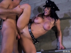 Hawt police officer with nice knockers gets laid with big dick criminal