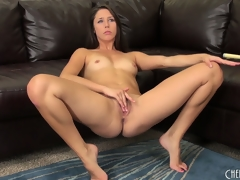 Hawt dark brown cutie, Anna Morna, makes a juicy mess of her vagina